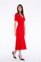 GIZIA - Brooch Detailed Pleated V Neck Dress With Belt